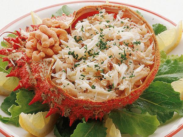クモガニのサラダ