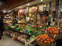 イタリアでは、「お客様は神様」では無く、  「店員が神様」なのです!!