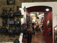 Infinity(インフィニティ):皮革製品の職人の店