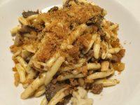 フィレンツェのアルノ川左岸地区にあるトラットリアで、郷土料理を堪能!