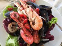 ベネチア離島巡り「ブラーノ島の一押しレストラン」でシーフードランチを満喫!
