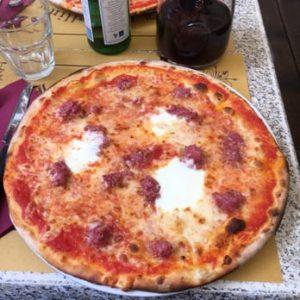 ミラノ国際空港マルペンサで美味しい釜焼きピザが食べられるって、本当! ?